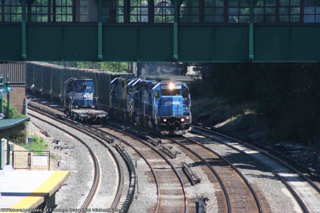 Former Conrail engines say hello.