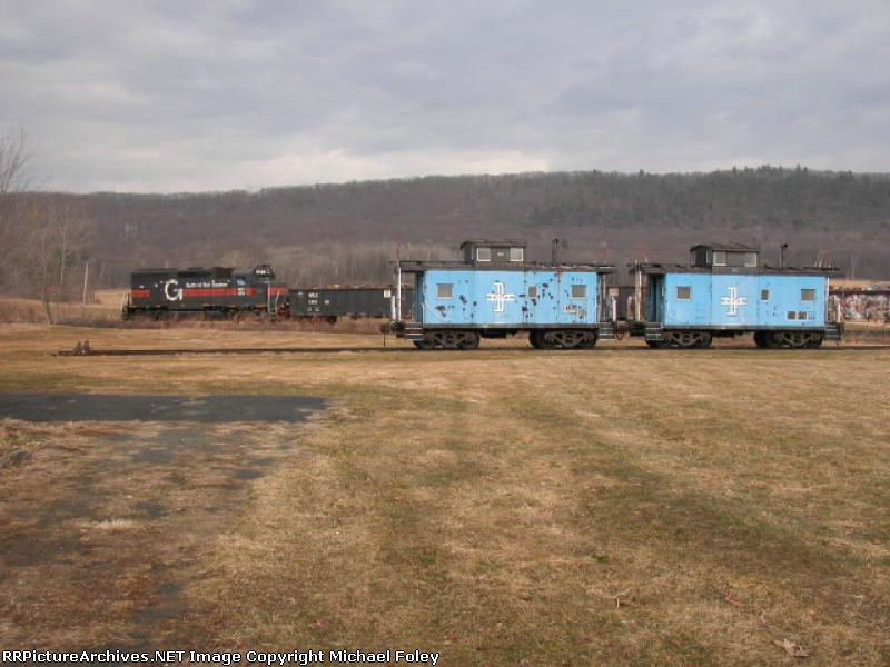 Boston & Maine Cabooses rest in retirement