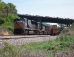 Train Q675-04