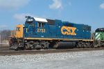 """CSX 2733 in """"new"""" paint"""