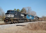 NS 712 hauls it