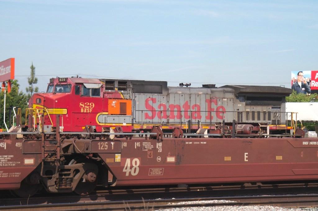 BNSF 829