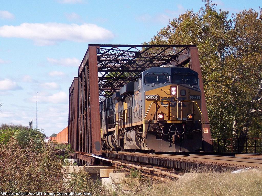 CSX 5228 Q300