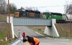 Q335 & Railfans