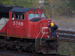 CN 5749 IS THIS THE WAY IN?