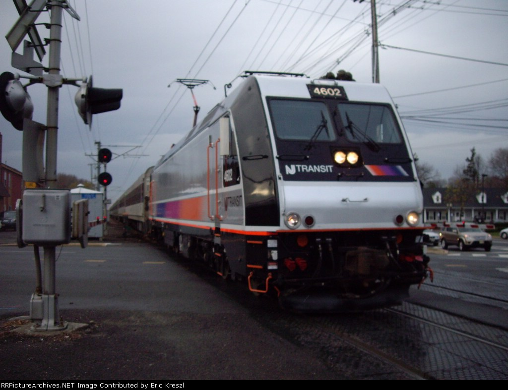 NJT 4602 Pulling to Little Silver