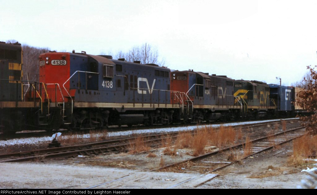 CV Train 554 passing through the yard