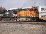 BNSF C44-9W 5261