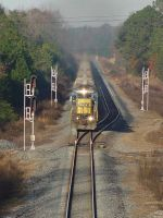 CSX 7521 barreling down track one