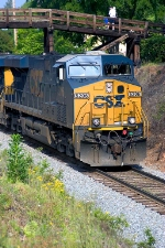 CSX 5206 with railfans