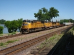UP 4305 WB mixed freight