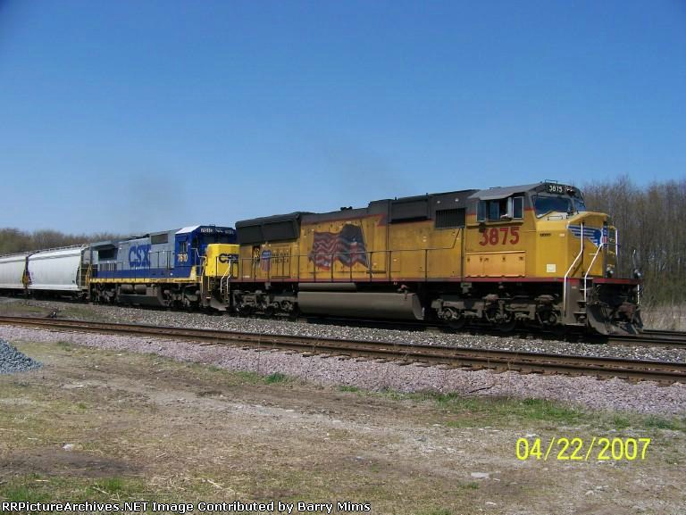 UP 3875 leads eastbound at Wellsboro