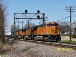 BNSF 5226 leads eastbound piggy