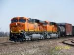 New BNSF power leads westbound CSX train at Wellsboro