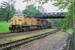 UP 7106 going under N. Clay bridge