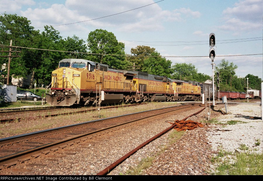 UP 9516,2837,9800 Crossing Taylor rd.