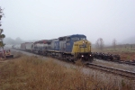 CSX 7853 on Q541 getting thru befor eRJ Cormand gets to work