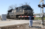 """NS 2749 stops to pick up a railfan for NS """"Free Ride Day"""""""