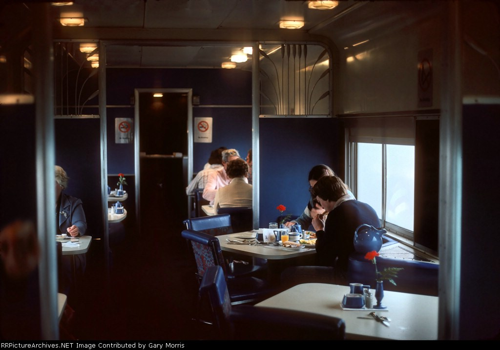 ex-KCS diner on the Lone Star - inside -