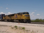 UP 4904 leads an EB intermodal at 1:05pm