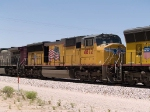 UP 4872#3 power in an EB intermodal at 1:33pm