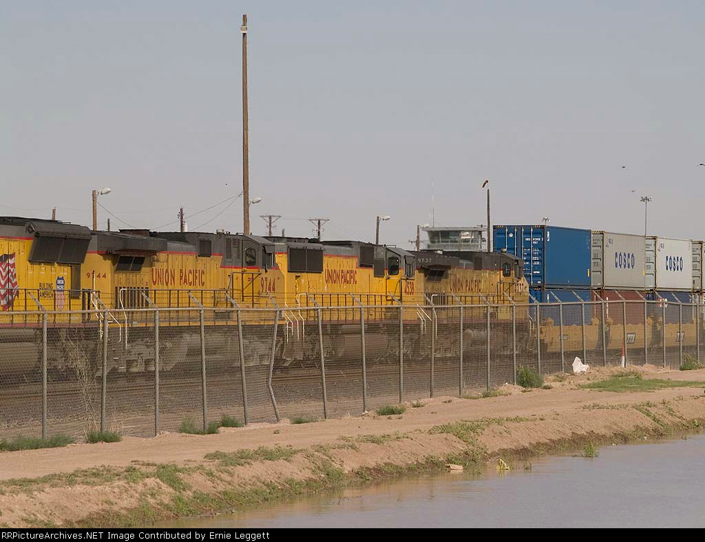 UP 4538 #4 power in a WB intermodal at 4:51pm