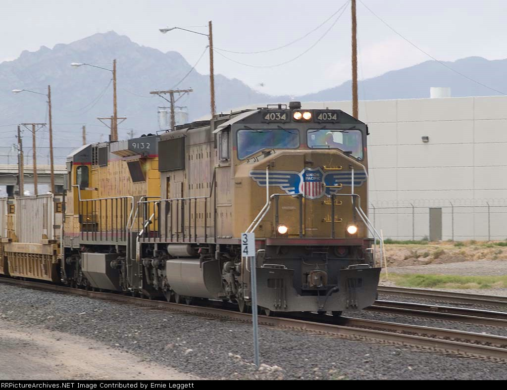 UP 4034 leads an EB intermodal at 1:44pm