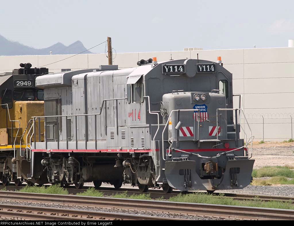 UPY 114 leads a switching consist at 2:20pm
