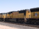 UP 4708 #3 power in an EB autorack/intermodal at 11:37am