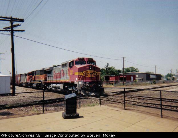 BNSF 900