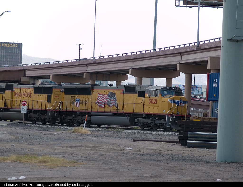 UP 5021 #4 power in a WB intermodal at 2:11pm