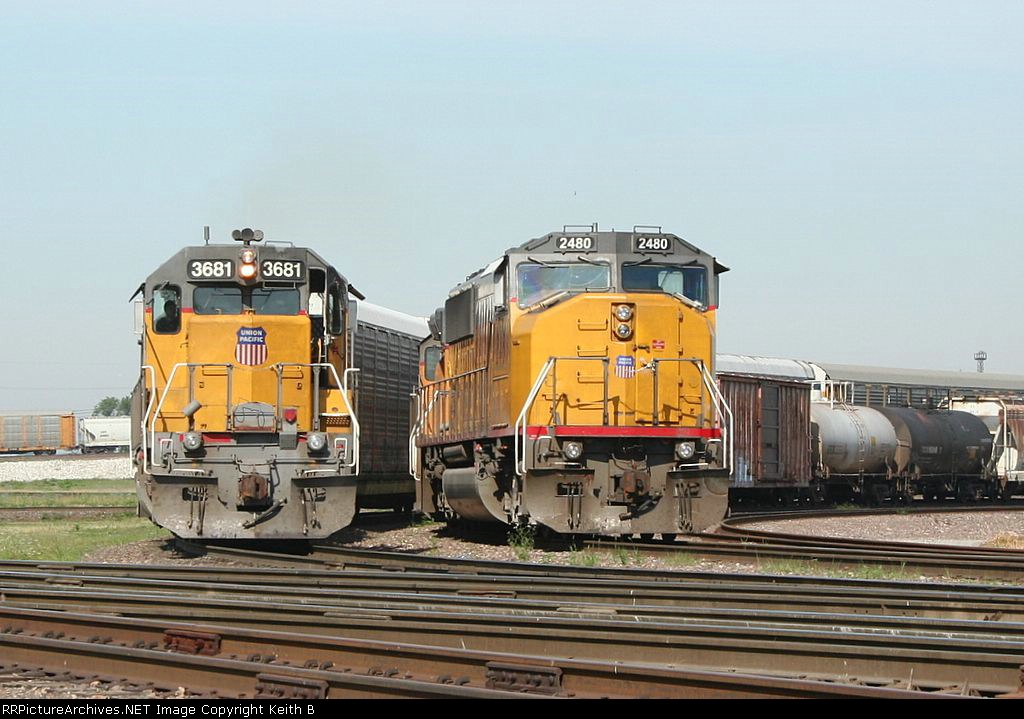 UP 3681 and 2480