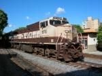 1178 e 1123 na estacao ferroviaria de Valadares