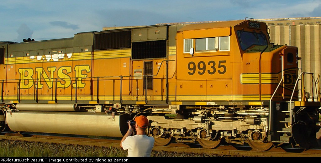 BNSF 9935