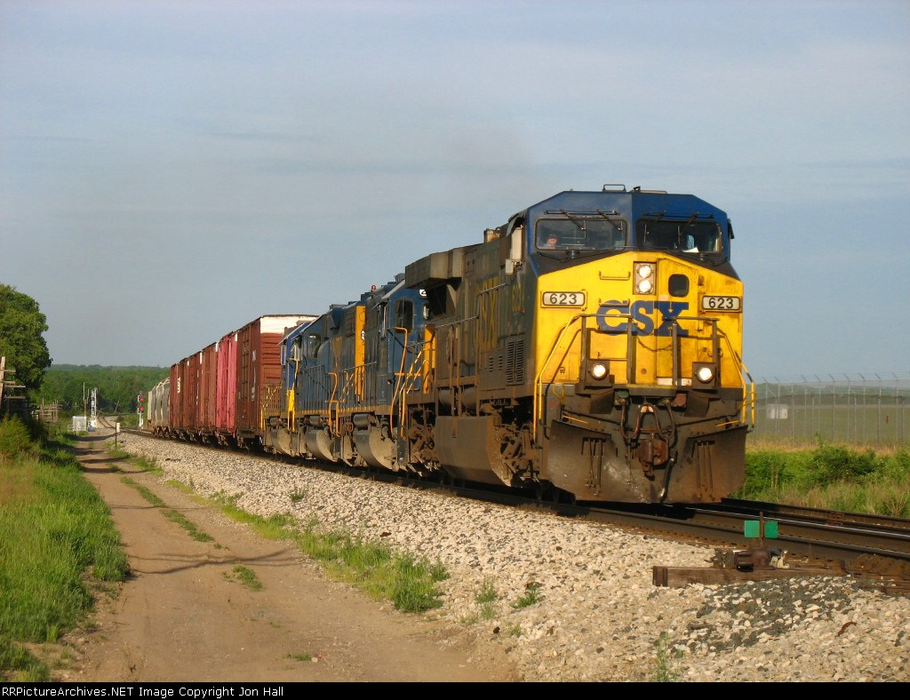 CSX 623 leading Q327 uphill
