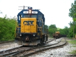 CSX 2801 backing towards its train during the first week of Y106 working the north side