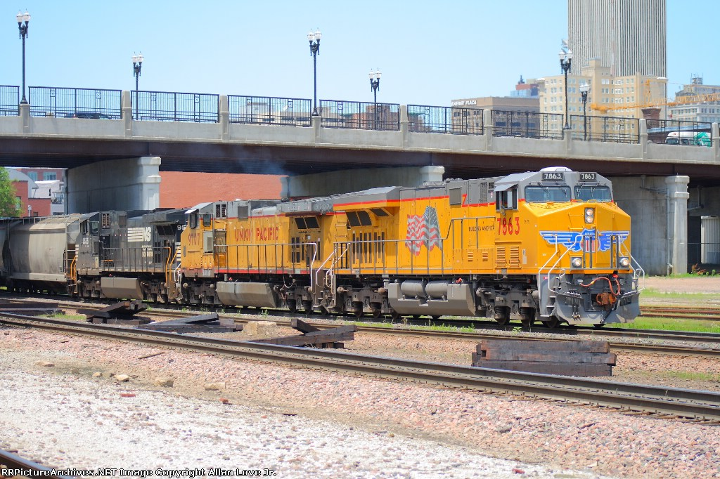 UP 7863 east