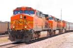 BNSF 5682 west