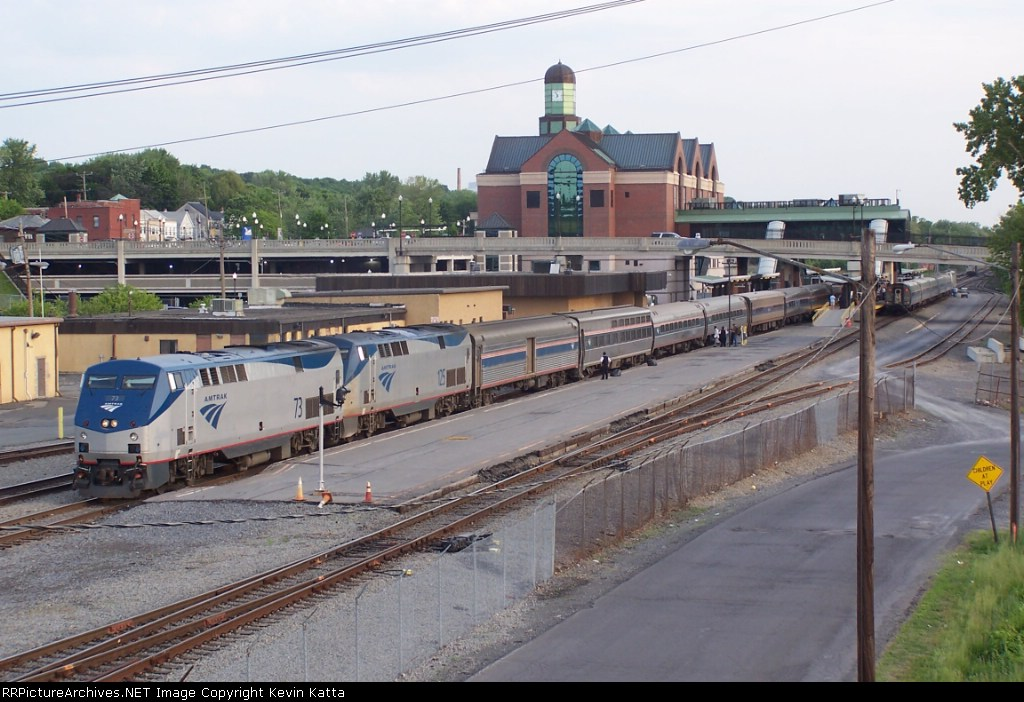 AMTRAK (wb) Lake Shore Ltd- Albany-Rensselaer station