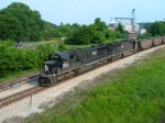 IC 1027 and 1016 lead a northbound empty coal train through the Mississippi Delta