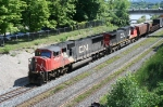 CN 5629 on train 422