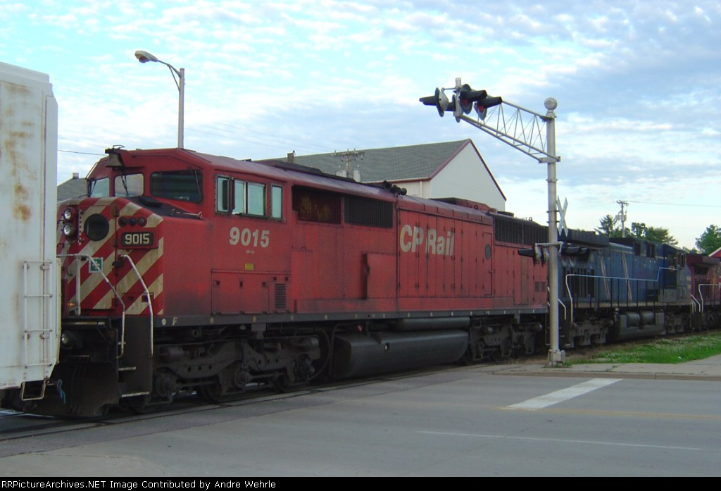 A Red Barn rolls on the Madison Sub - CP 9015