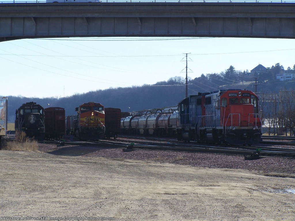 IC 6005, BNSF 5342 & GTW 4994 Await Orders in the CN/IC Yard