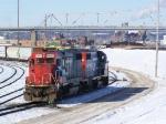 GTW 5855 & GTW 4927 Shuffle Cars in the CN/IC Yard