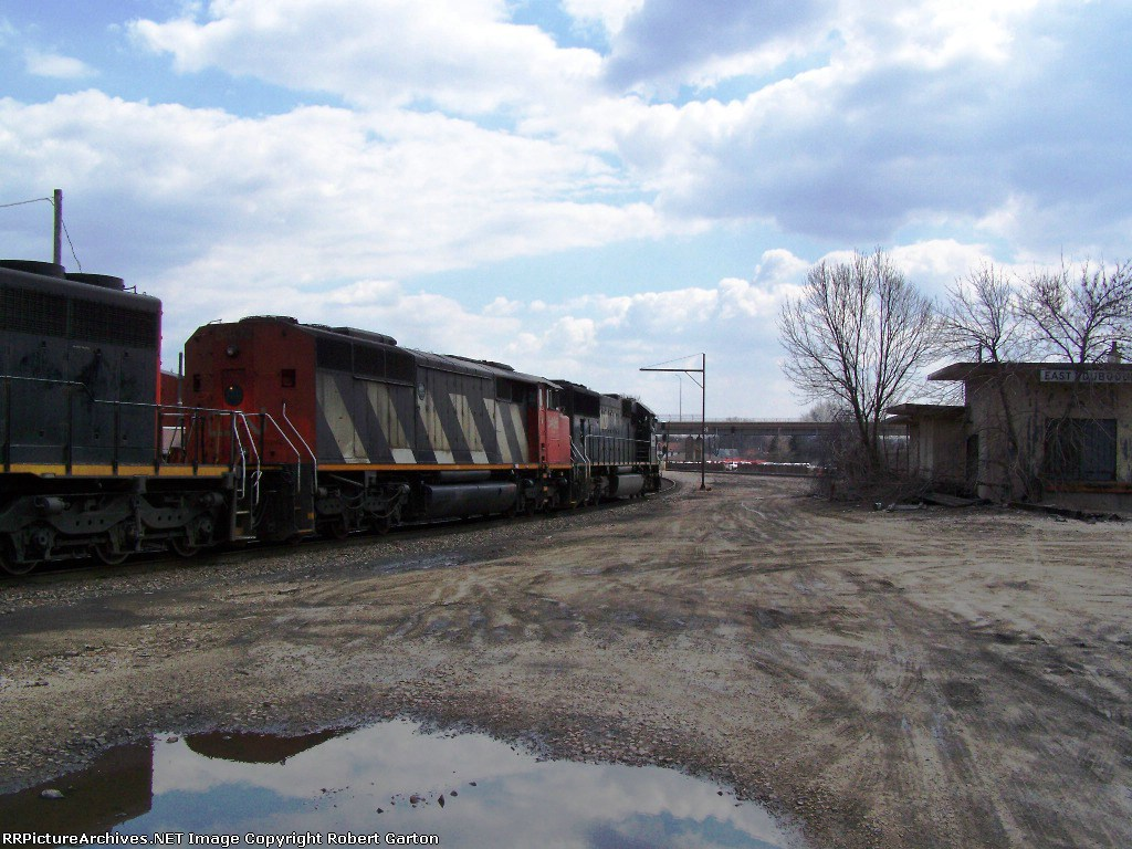 CN 5406 & IC 1027 (in the Lead) Prepare to Merge Southbound with the BNSF Double Main
