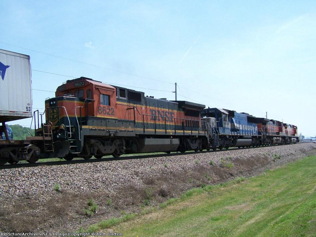 BNSF 8622, EMDX 9055, BNSF 960 & BNSF 4328