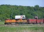 BNSF 4834 & BNSF 6340 Lead Mixed Freight into Town