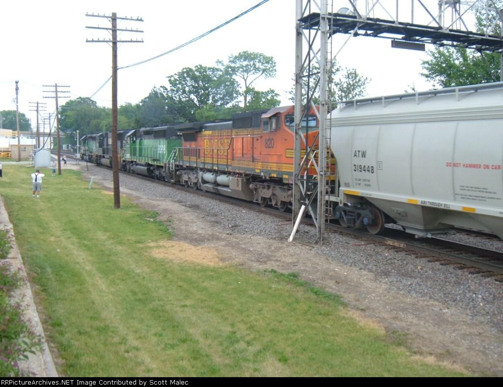 BNSF 8038, NS 2581, BNSF 8008 & 820