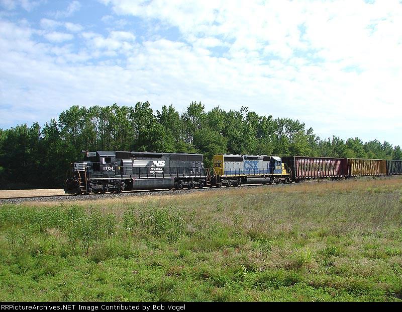 NS 1704 & CSX 8815