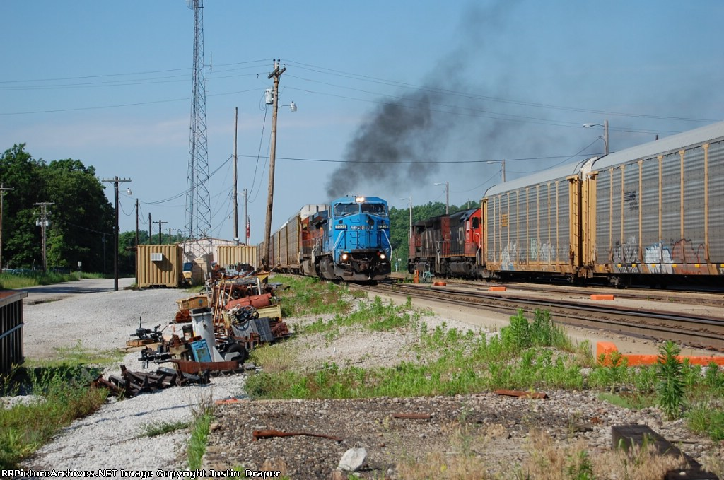 NS 8336 with BNSF 1068 smokin it up while leaving Salem after a crew change